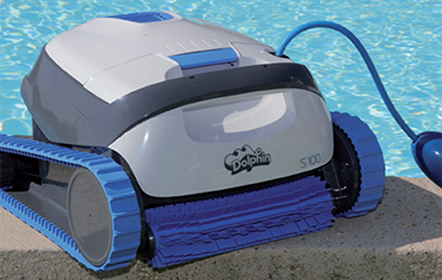 Dolphin Swimming Pool Cleaning Robot